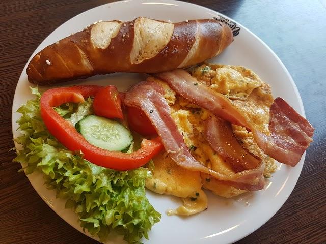 Bäckerei & Cafe Hoefer