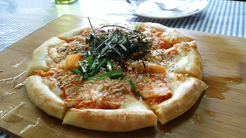 SOLANA Surf Camp - Pizza & Cafe
