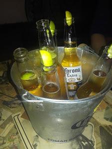 La Botika Bar 9