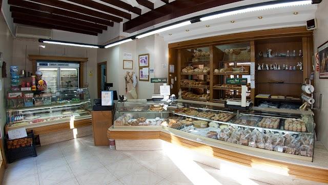 Forn de Pa i Pastisseria la Vicenti