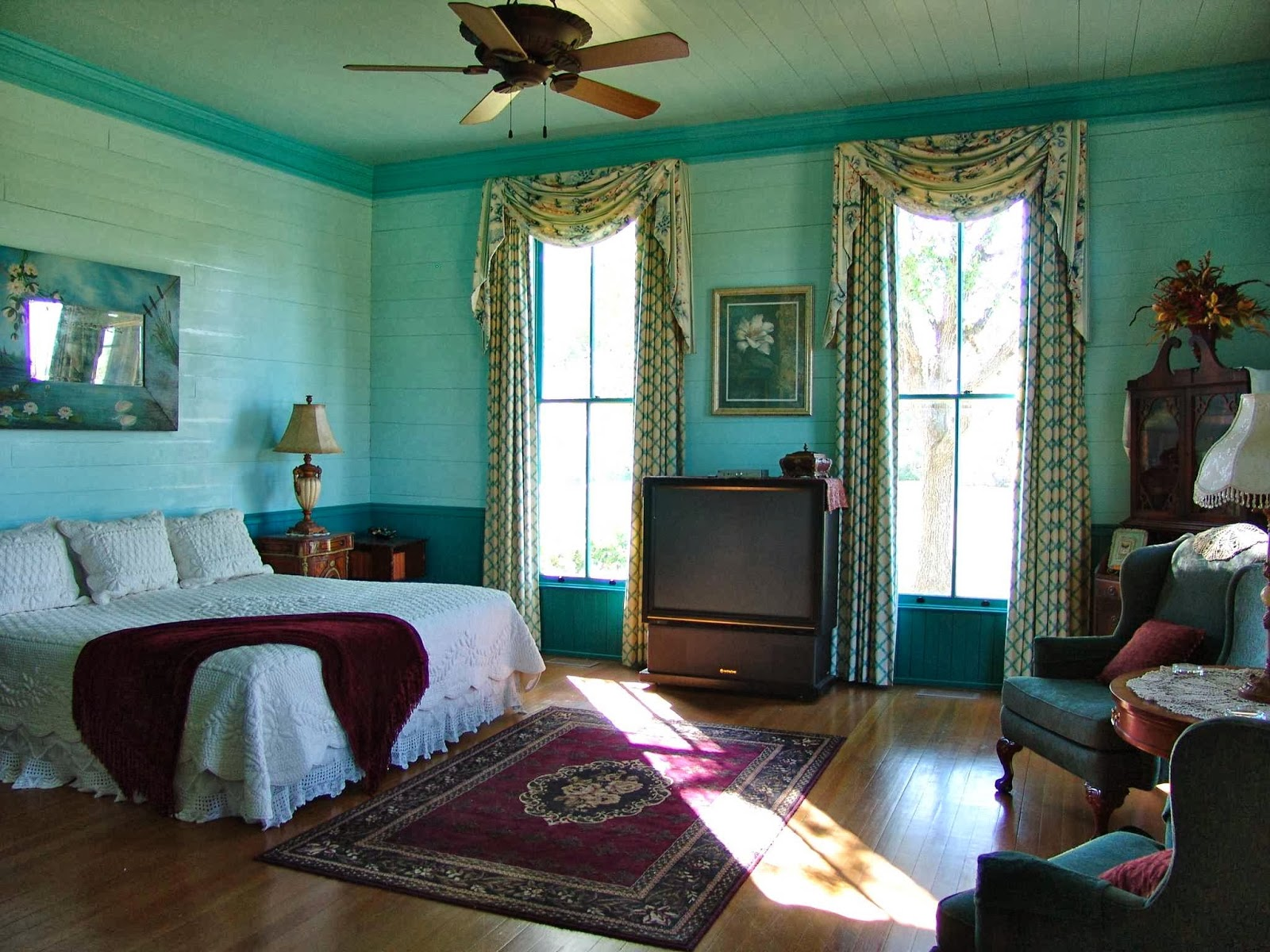 Belle Of Round Top Bed And Breakfast