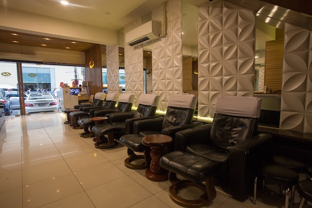 Lek Massage At Bts