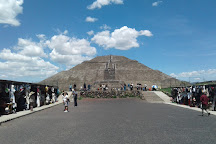 Teotihuacan en Bici, San Juan Teotihuacan, Mexico