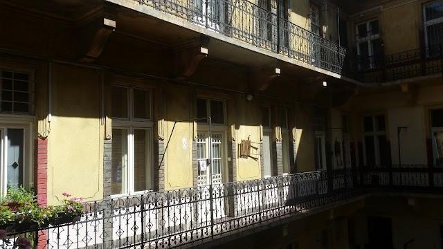 District 7 Apartments