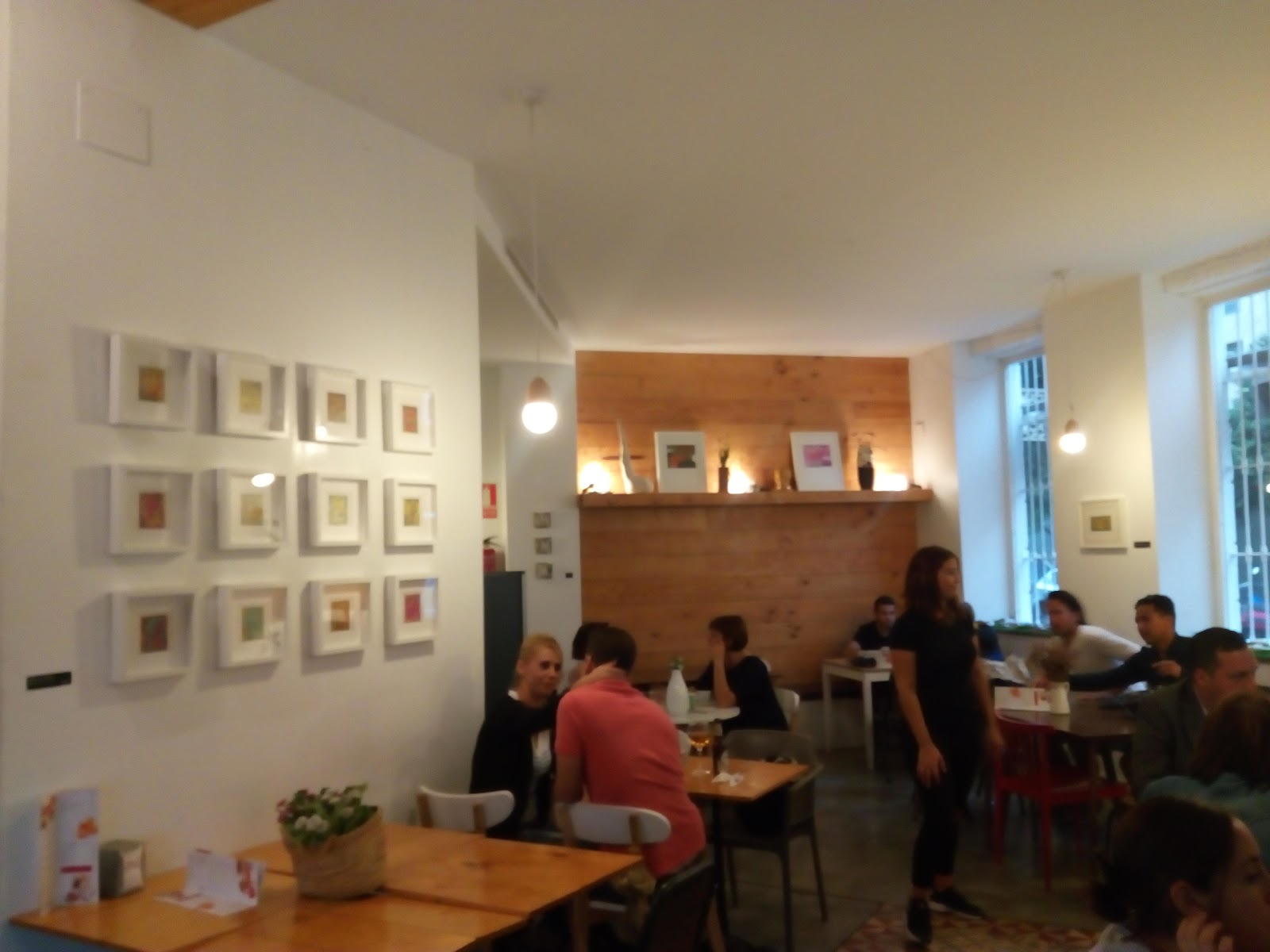 Trentatres Gallery Cafe: A Work-Friendly Place in Valencia
