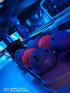 Cosmic Bowling 8