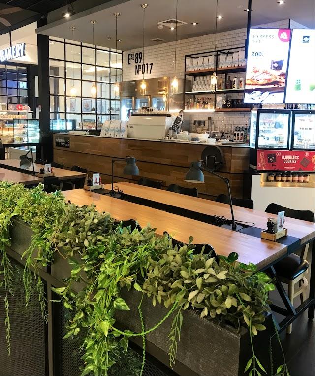 THE COFFEE CLUB - Riverside Plaza