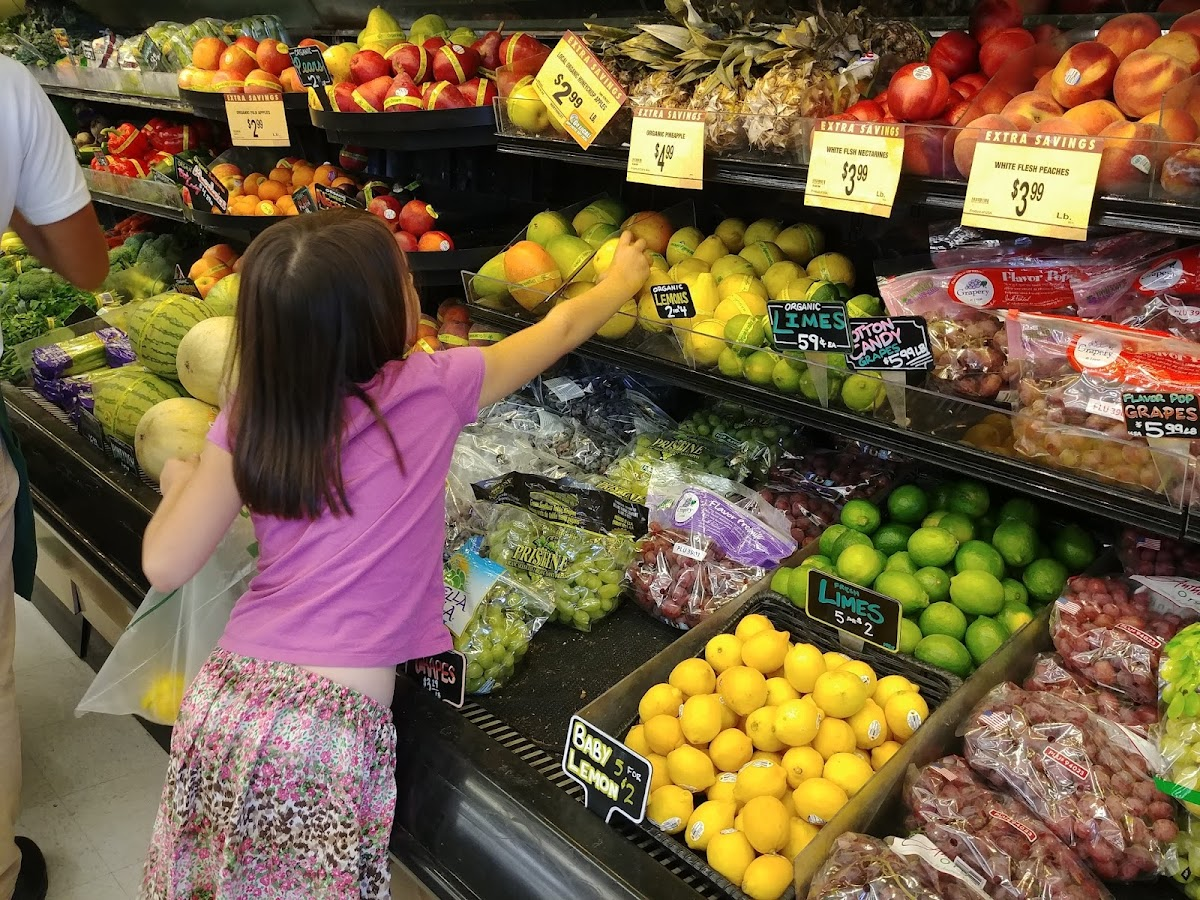 Roth's Fresh Markets 1401 Monmouth St Image