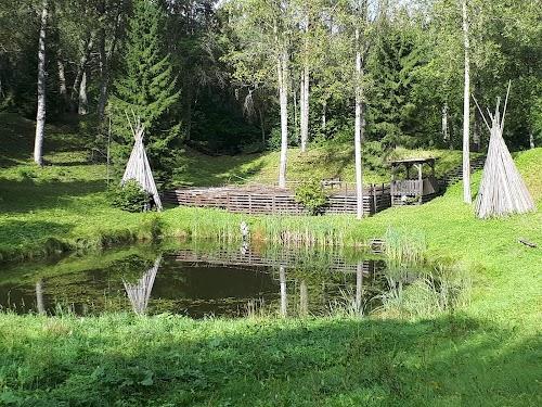 Kassinurme muinasmaa teemapark