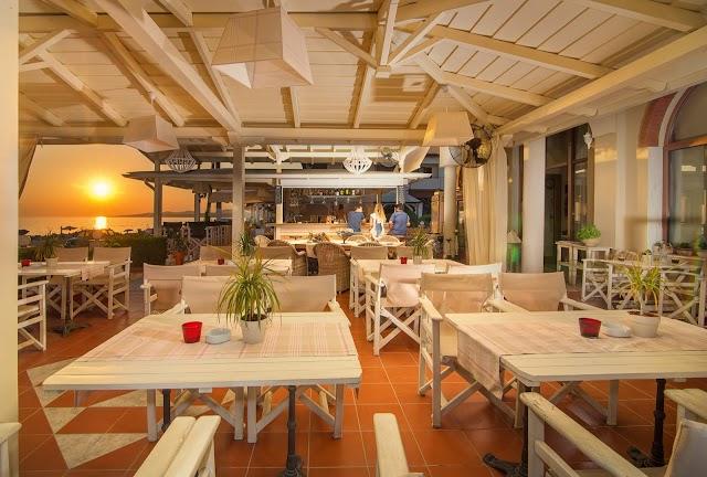 AVRA Restaurant Beach Bar