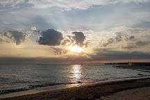 Oak Street Beach, Chicago, United States