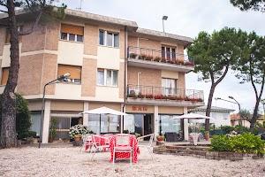 Hotel Ristorante Bar Ausonia