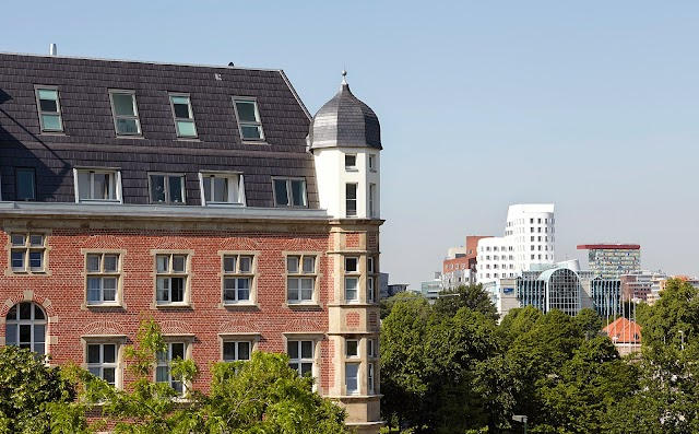 Luxury Hotels in Duesseldorf : The Red