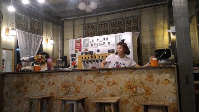 Dok Kaew House Bar บ้านดอกแก้ว