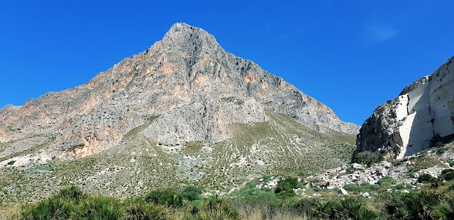 Monte Cofano - Parking Area for Hikers