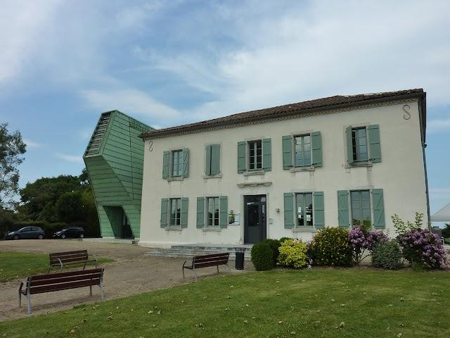 Musee Departemental de la Faience Et des Arts de la Table