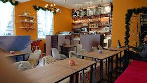 VLUE - Café & Lounge 0