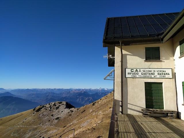 Rifugio Barana Al Telegrafo Monte Baldo Cai