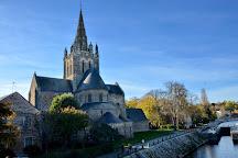 Basilique Notre-Dame d'Avesnieres, Laval, France