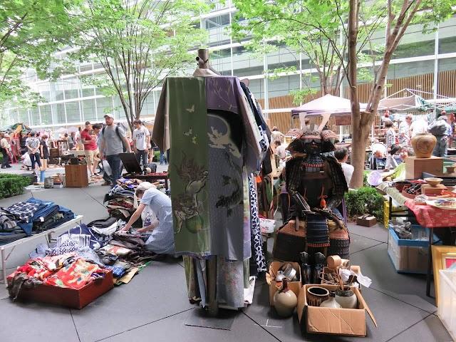 Oedo Antique Market Tokyo International Forum venue