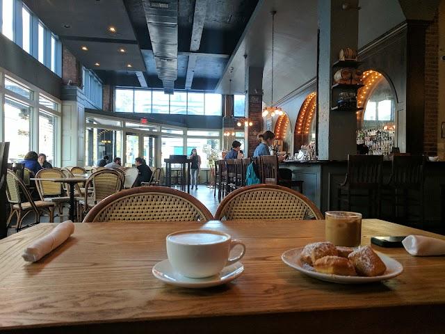 THE HONEYMOON CAFÉ & BAR