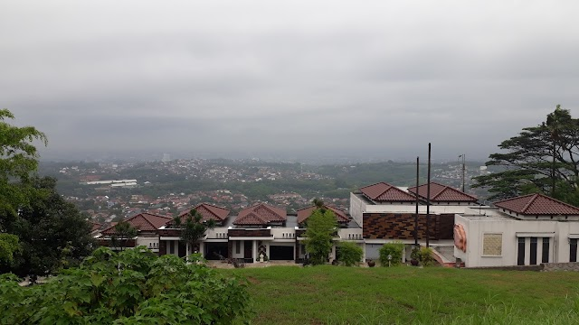 Alam Indah Hotel & Resto