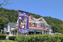Give Purrs a Chance, Berkeley Springs, United States