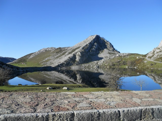 lago de enol asturias