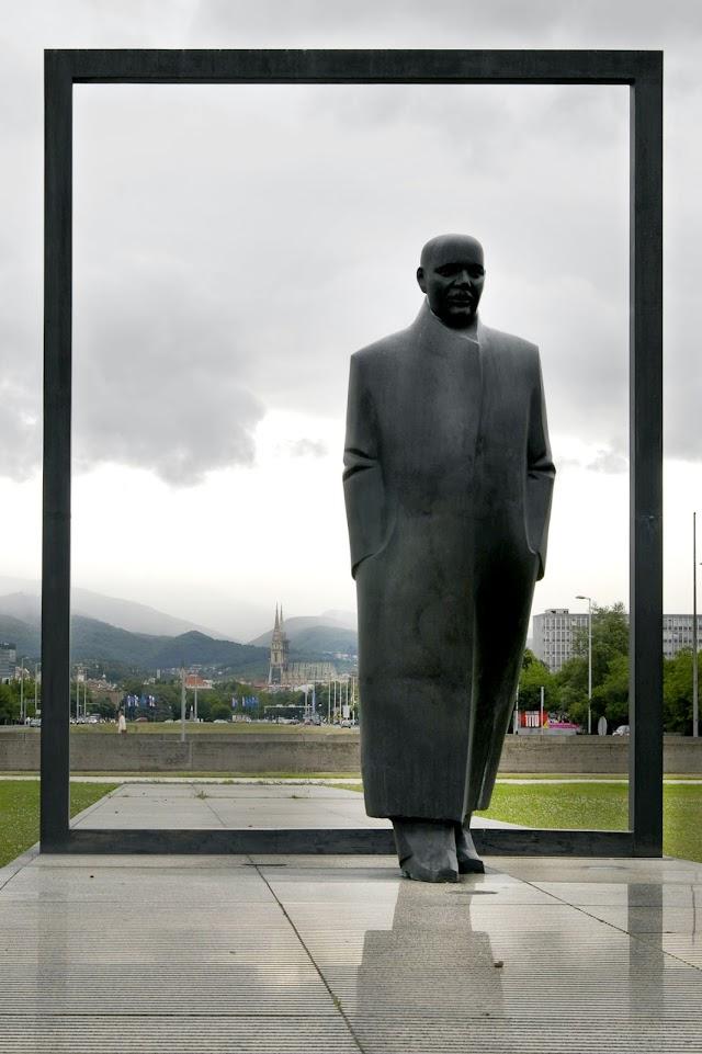 Spomenik Većeslavu Holjevcu