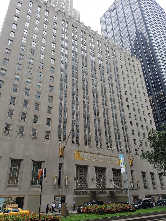 Waldorf Astoria & Towers Food