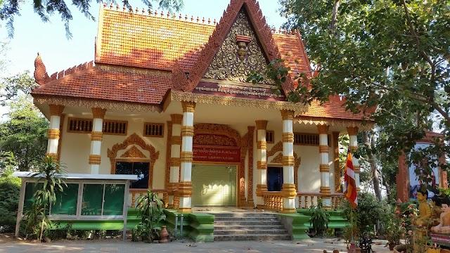 Phnom Sambok Pagoda