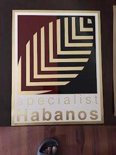 Le Casa Del Habanos
