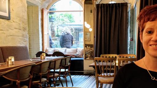 Cafe 52