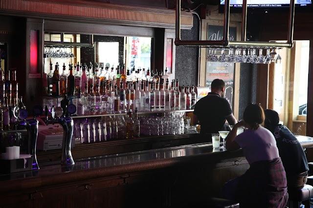 Blondie's Bar