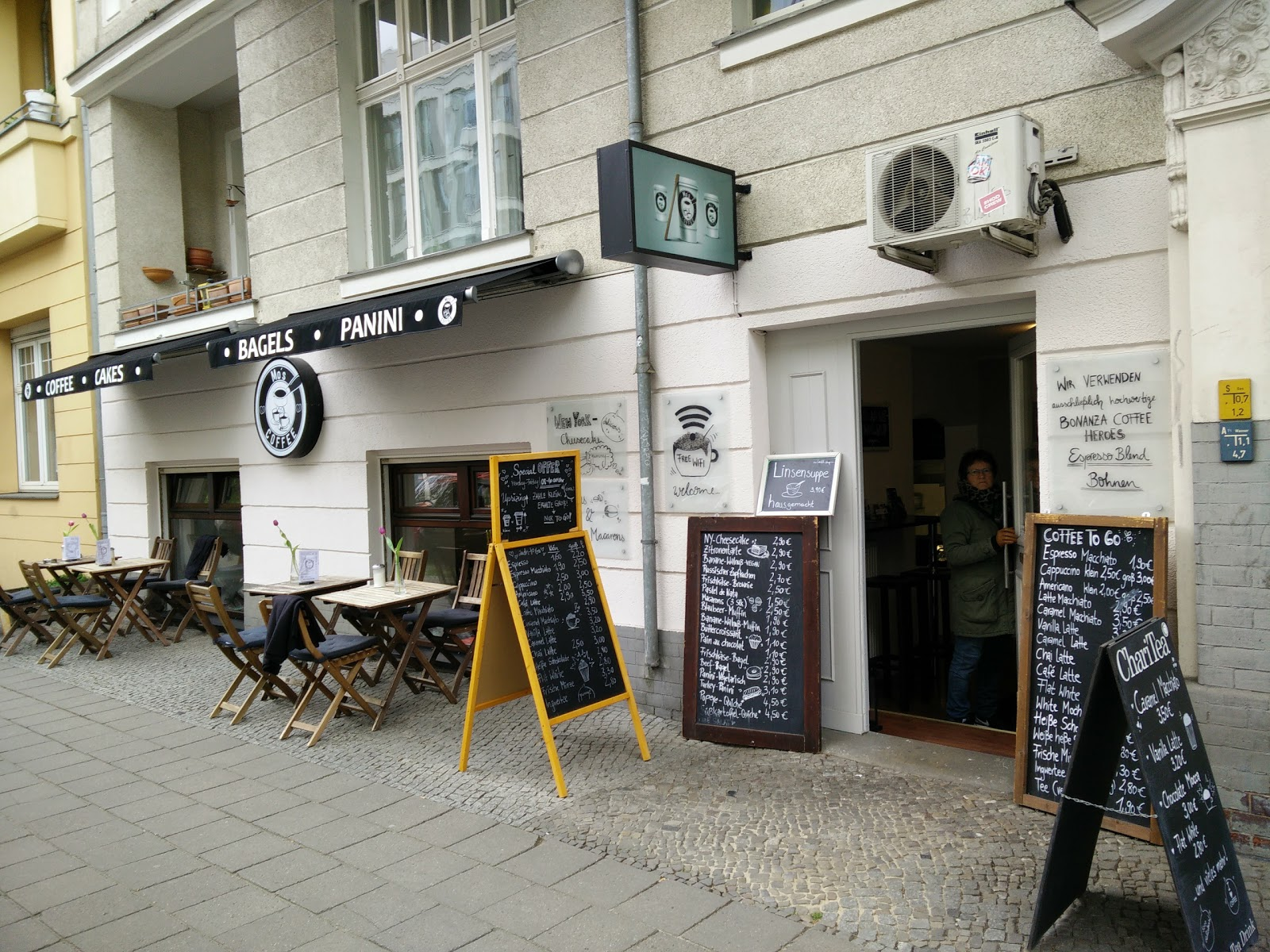 Mo's Coffee: A Work-Friendly Place in Berlin