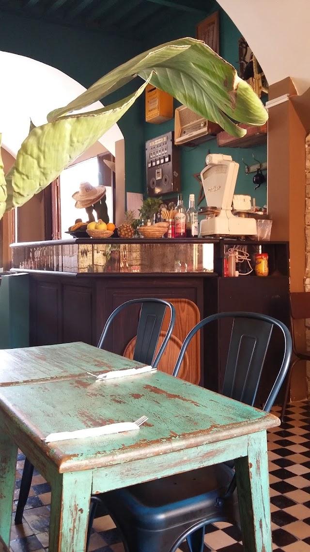 BlackChich cafe restaurant