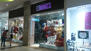 Moixx Mall Aventura Plaza 0