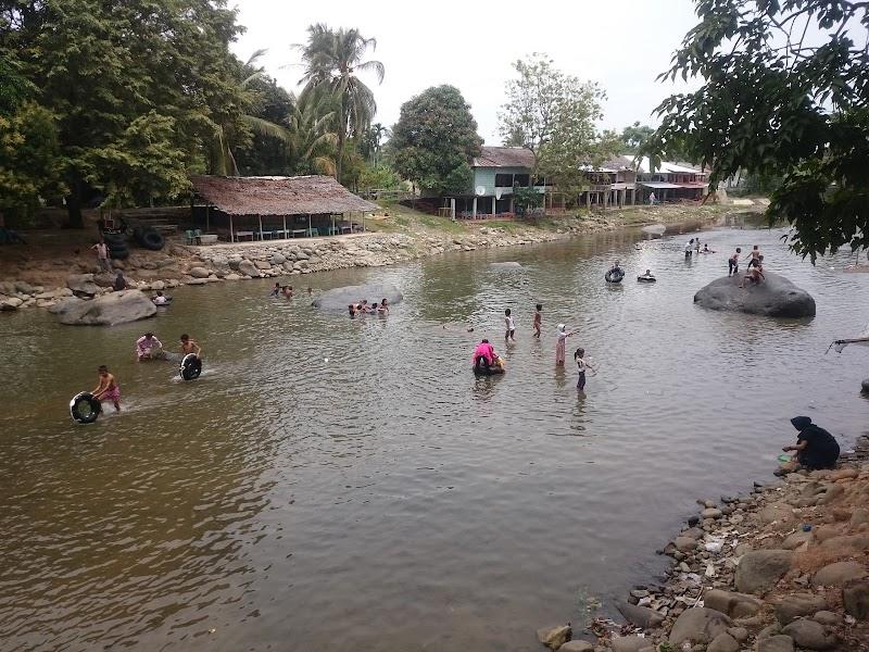 Batee Iliek Wisata Bireuen Nanggroe Aceh Darussalam