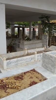 Society Qabristan karachi