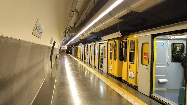 Municipio Metro Station
