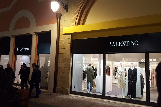 Dondi Salotti Outlet Savignano.Visit Castel Romano Designer Outlet On Your Trip To Rome Or Italy