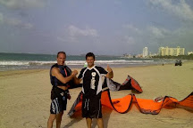 15 Knots Kiteboarding School, Carolina, Puerto Rico