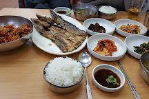 Grilled Fish Street in Dongdaemun Market, Seoul, South Korea