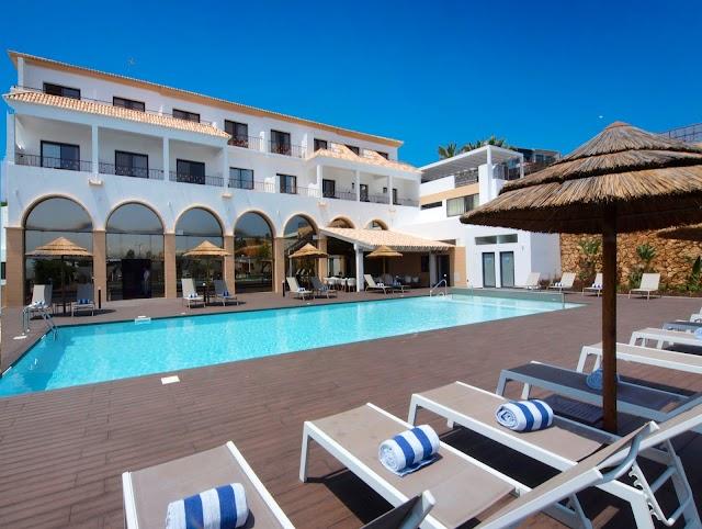 Vila Mós Suite Hotel