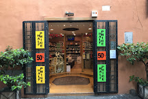 Visit Outlet Shoes Famous Brands on your trip to Rome or Italy
