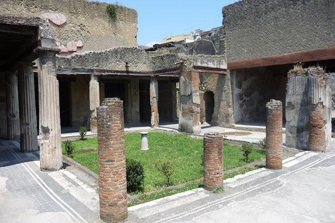 Visit Casa Del Salone Nero On Your Trip To Ercolano Or Italy