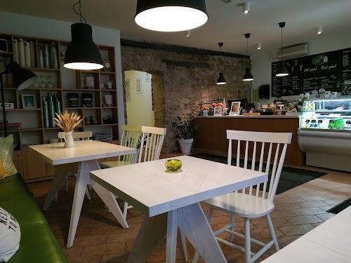 Fresh Cafe & Smoothie Bar