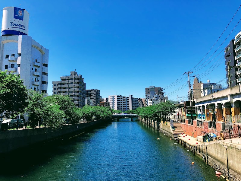 タイニーズ 横浜日ノ出町 / Tinys Yokohama Hinodecho