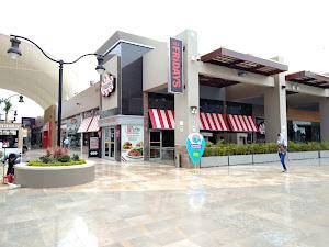 Fridays Real Plaza Trujillo 3