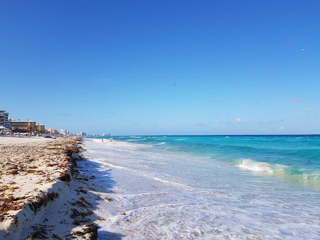 Playa Ballenas